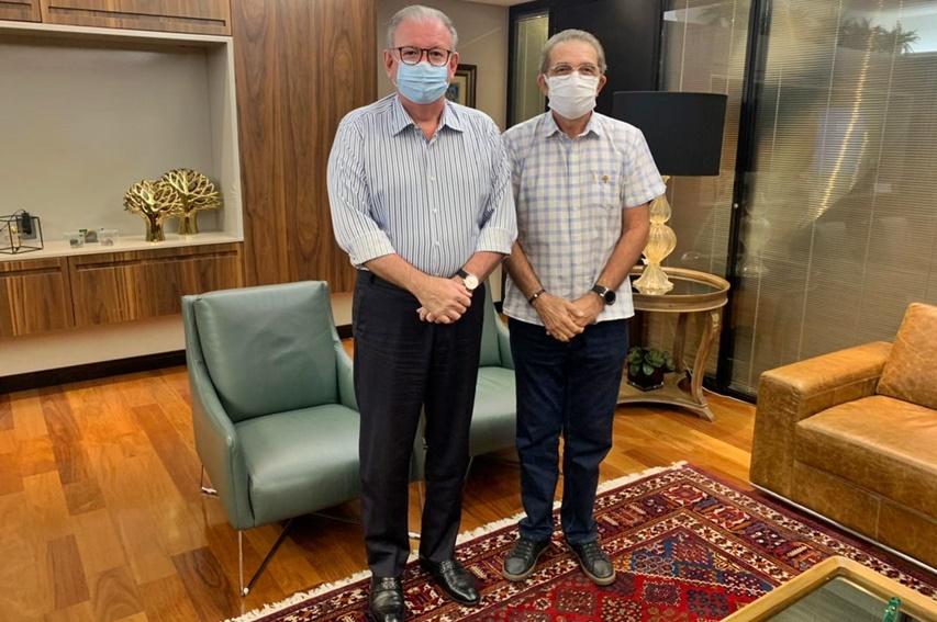 Ricardo Cavalcante se reúne com Walter Cavalcante